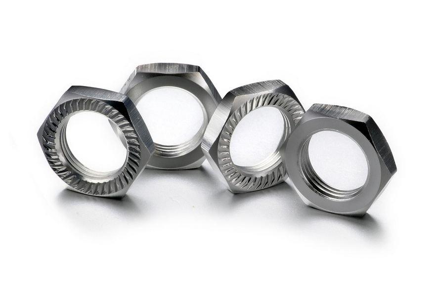 Matice kol 17mm 1:8 stříbrné, stoupání 1, 4ks