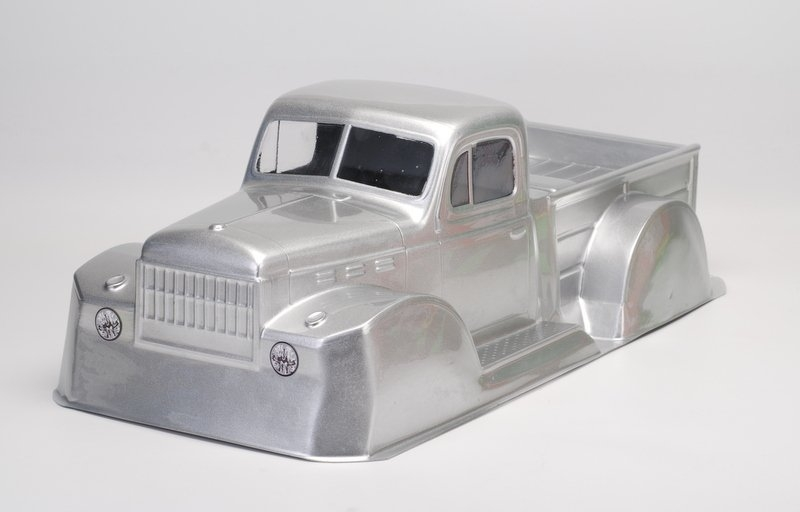1946 Dodge Power Wagon, čirá karoserie, rozvor 313mm